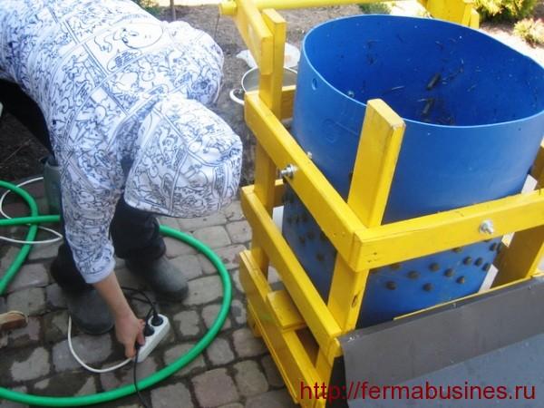 Машина для съема пера сделанная своими руками