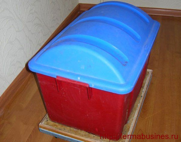 Ящик накрытый крышкой