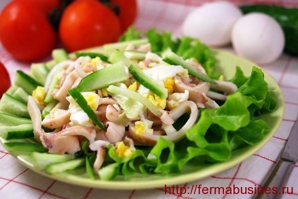 Прекрасный вариант оформления салата